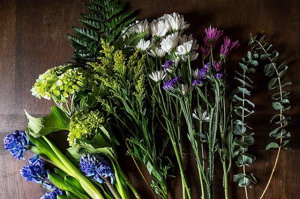 1.Cắm hoa ngày Tết giữ sao cho tươi lâu3
