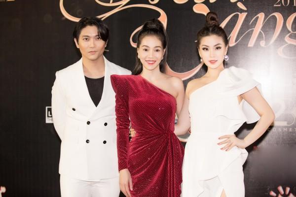 Bà trùm Hoa hậu Phạm Kim Dung với nhan sắc rực rỡ không hề kém cạnh dàn hậu