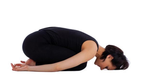 6.Tết này không lo đầy bụng nhờ có Yoga3