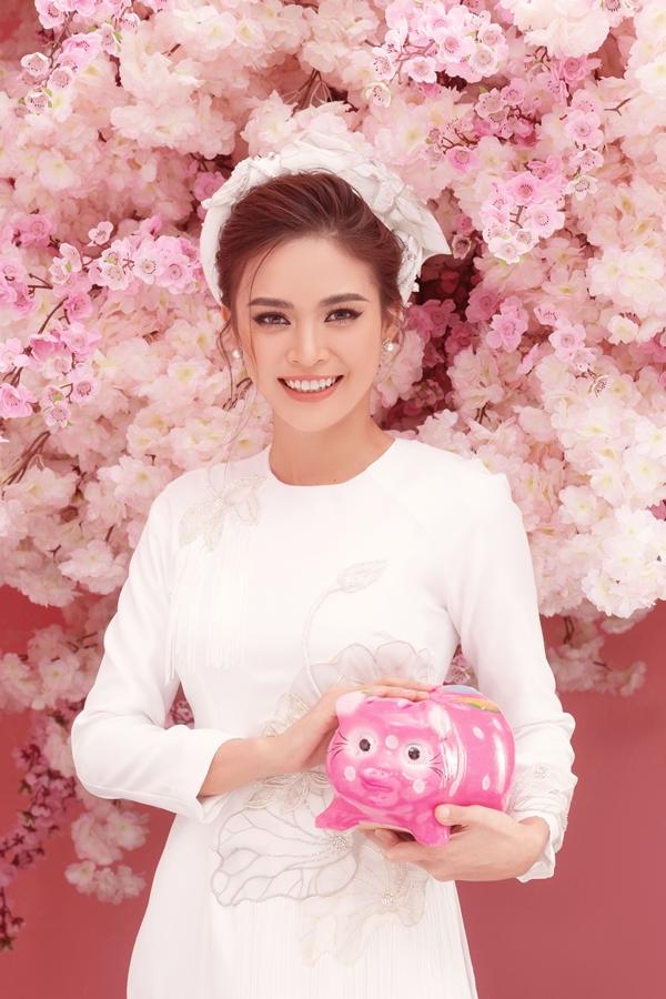 Anh Tet Ky Hoi_A Hau Mau Thuy (8)