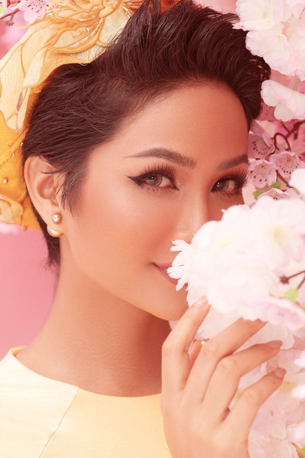 Anh Tet Ky Hoi_Hoa hau HHen Nie (10)