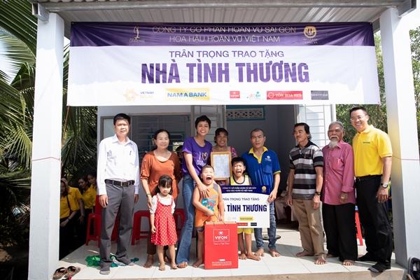HHen Nie (53)