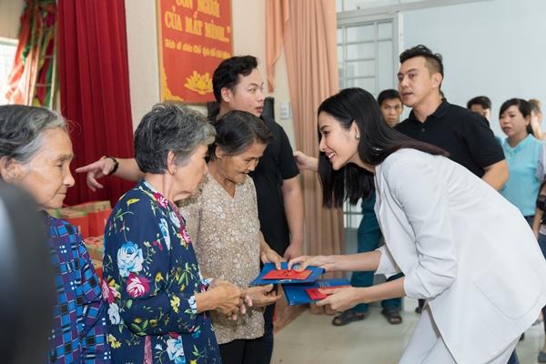 Hoang Thuy (12)