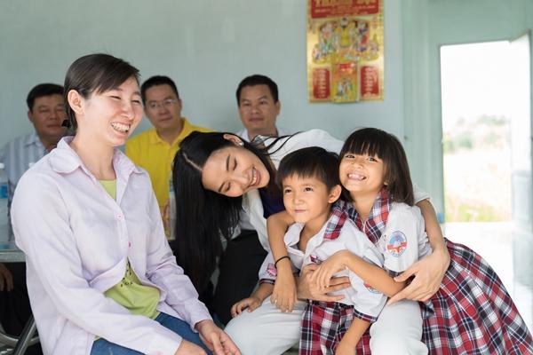 Hoang Thuy (21)