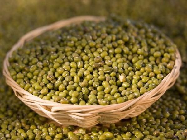 Ngoài công dụng giải nhiệt, chữa bệnh, đậu xanh còn có thể chăm sóc sắc đẹp cho phụ nữ.