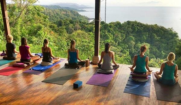 Yoga retreat giúp lại tinh thần cho những ai bận rộn.