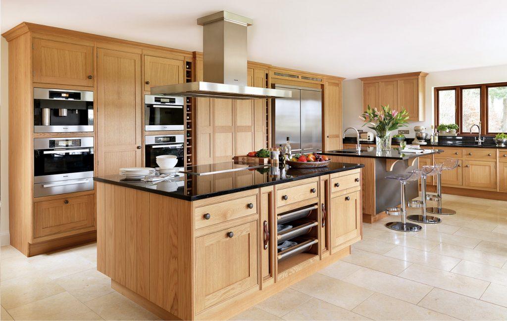 Nếu tài chính cho phép hãy chọn một thiết kế tủ bếp hiện đại thông minh.