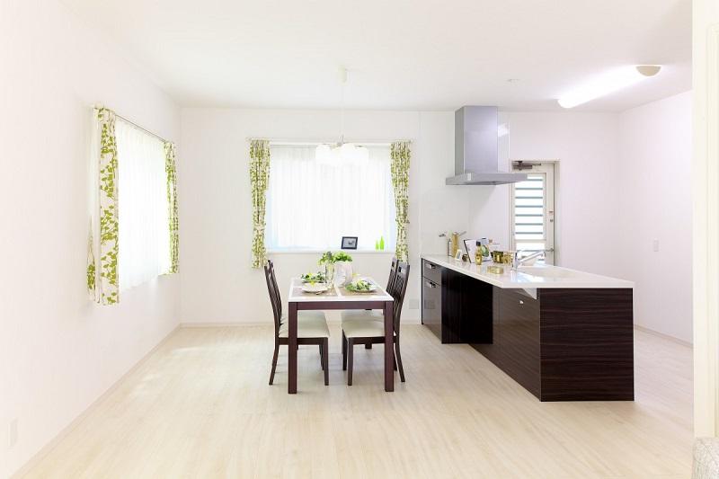 Các căn hộ nhỏ gia chủ thường chọn những thiết kế đơn giản.