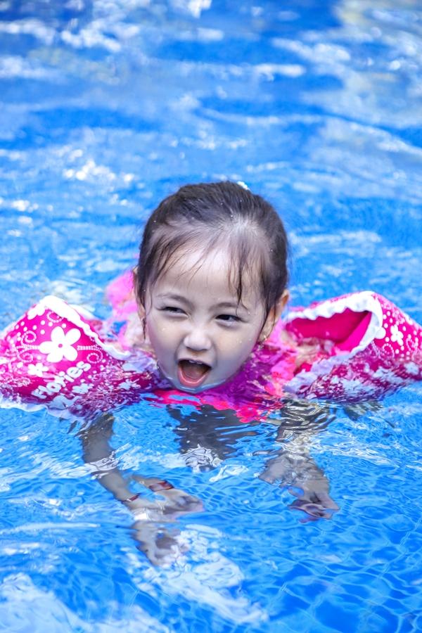Hoa hậu Việt Nam 1992 kể thêm, với Viann, hai anh trai là hình mẫu. Thấy các anh mê chơi môn thể thao nào, bé cũng cô gắng học hỏi để tham gia cùng.