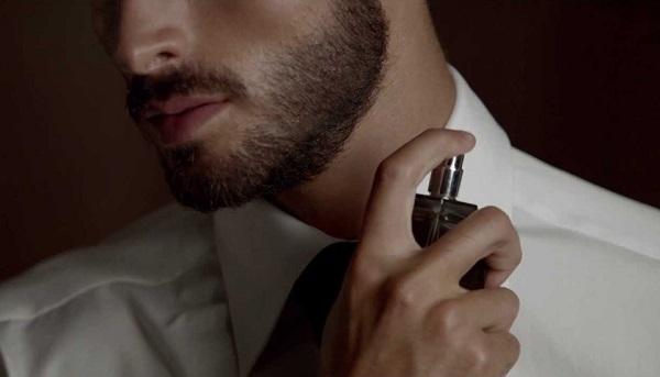 Tùy vào sở thích của chàng, bạn nên có sự lựa chọn mùi hương thích hợp nhé.