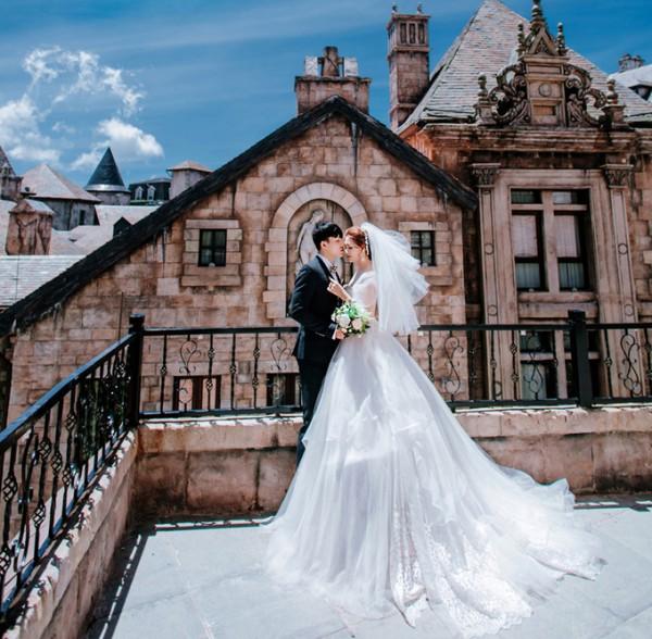 4.Ảnh cưới ở Đà Nẵng của cặp nên duyên nhờ bạn thân5