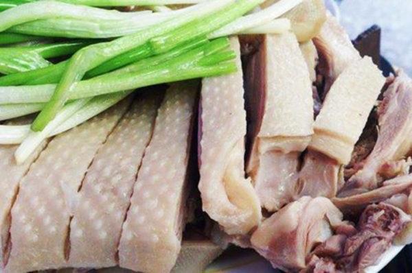 Luộc thịt đúng cách cho món ăn thêm ngon