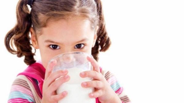 Lượng Canxi từ thực phẩm chuẩn bị cần tăng thêm 40% để đảm bảo trẻ hấp thu đủ nhu cầu và thất thoát.