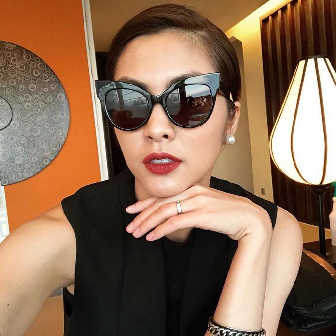 """Được mệnh danh là """"ngọc nữ màn ảnh Việt"""" nhờ vẻ đẹp trong sáng và lối sống sạch sẽ không scandal sau nhiều năm đặt chân vào showbiz, Tăng Thanh Hà luôn là cái tên thu hút sự quan tâm đặc biệt của công chúng."""