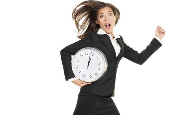 Sự chậm trễ của bạn làm ảnh hưởng đến hiệu quả làm việc của mọi người xung quanh.