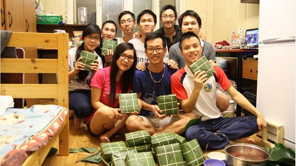 Du học sinh Việt và nỗi niềm ngày Tết phương xa