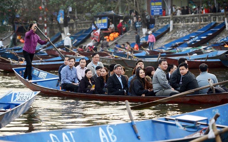 Ban tổ chức lễ hội chùa Hương cho biết, đến nay có hơn 550 nghìn lượt khách trẩy hội. (Ảnh minh họa)