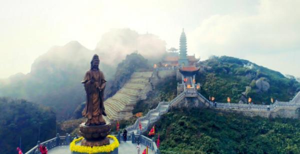 Những hiện tượng thiên nhiên kỳ thú trên đỉnh Fansipan mê hoặc du khách3