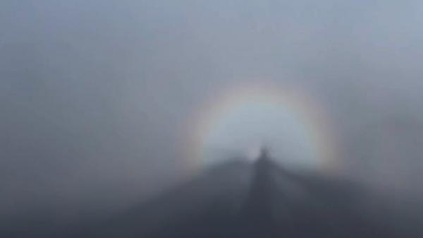 Những hiện tượng thiên nhiên kỳ thú trên đỉnh Fansipan mê hoặc du khách7
