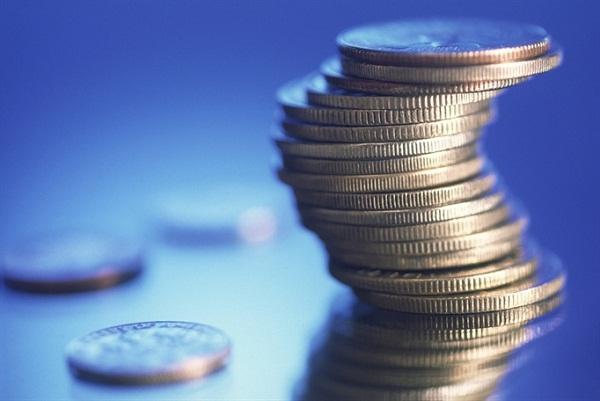 Vốn dĩ, chẳng ai bán tình yêu cũng không ai mang tiền đi mua được niềm vui đúng nghĩa!