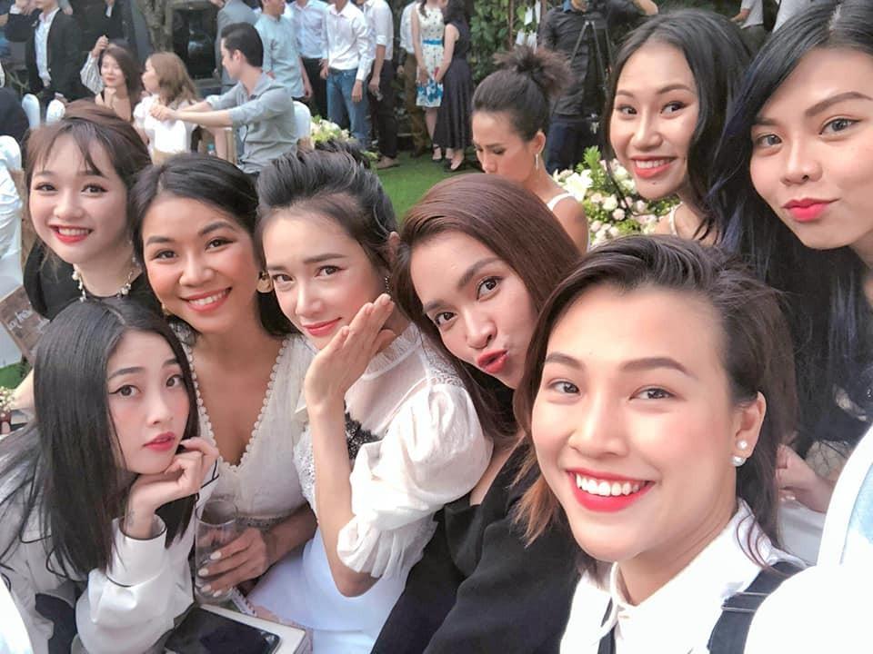 1552356531-724-nha-phuong-tham-gia-tiec-cuoi-ban-than-sau-thoi-gian-sinh-con-54398079241514837182-1552355149-width960height720