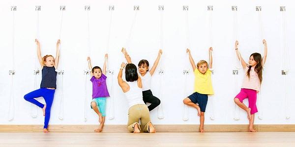 17.trong Yoga đừng nhầm tưởng trẻ em là người lớn