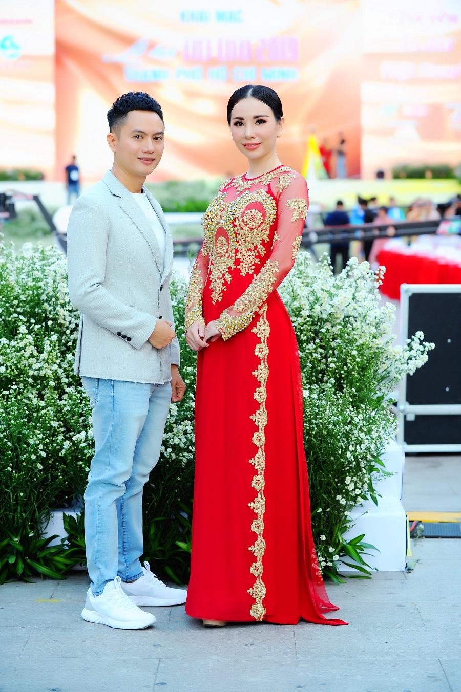 3 - Hoa hậu Đại sứ Qúy bà Hoàn Vũ thế giới làm nàng thơ trong BST của Ngô Nhật Huy
