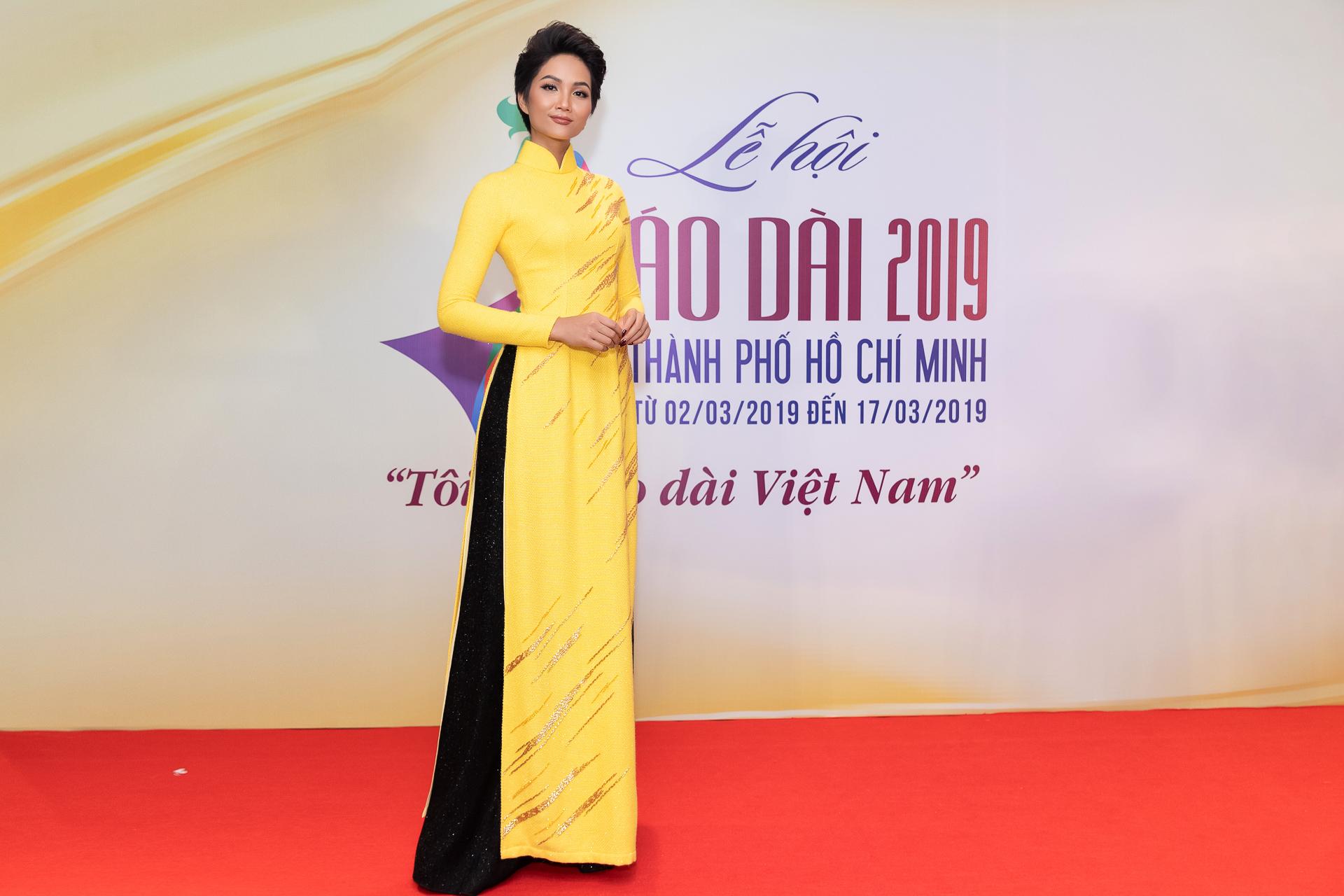 HHen Nie (51)