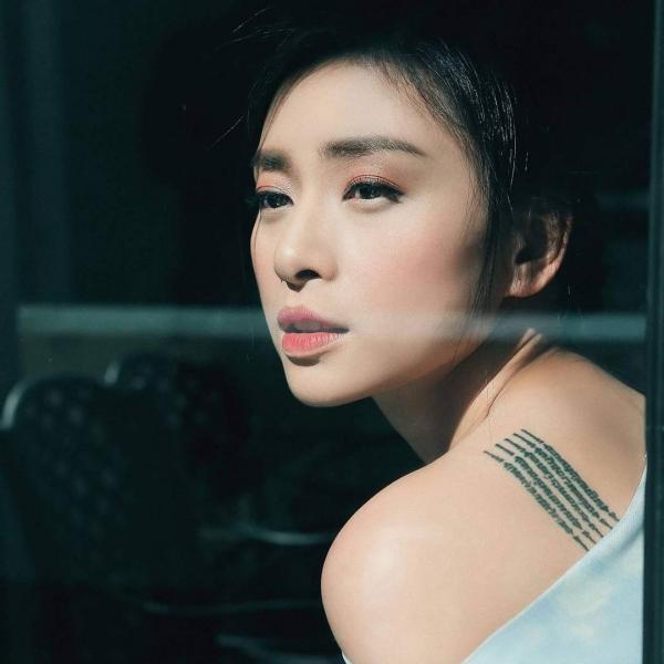 12 năm kể từ khi nổi danh của tác phẩm 'Dòng máu anh hùng', nhan sắc của Ngô Thanh Vân hầu như không thay đổi chút nào. Cô được mệnh danh là một trong những người đẹp không tuổi của làng giải trí Việt.