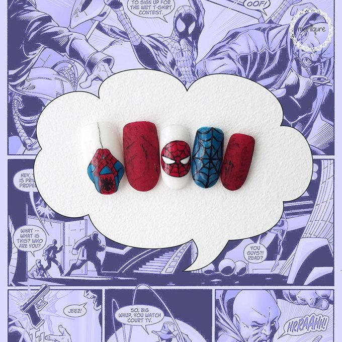 Tone màu đỏ - xanh cobalt cùng hình vẽ tơ nhện sẽ giúp đối phương nhanh chóng nhận ra bạn là fan của Spider Man. Không nhất thiết phải vẽ quá nhiều chi tiết mô phỏng nhân vật này lên móng vì có thể chúng sẽ khiến bộ nails của bạn trông 'trẻ con', kém thanh lịch khi đến công sở.