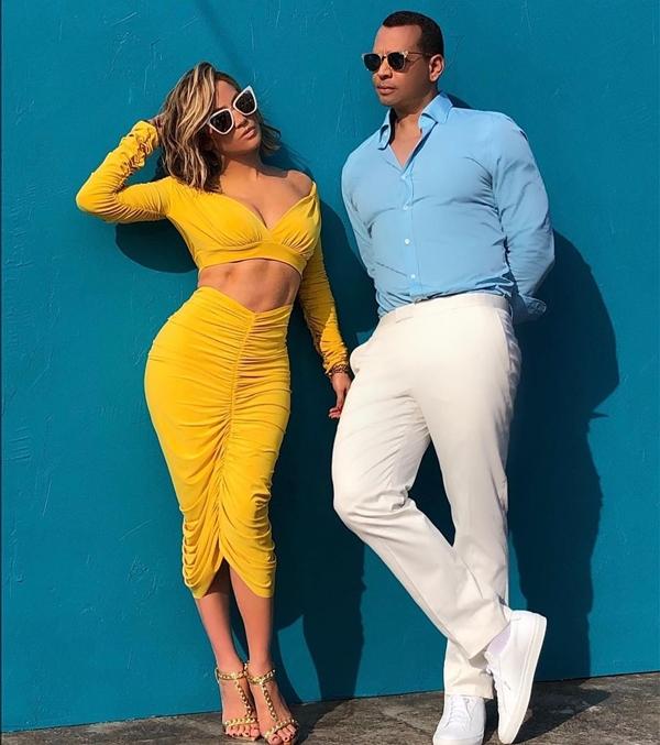 Jennifer Lopez và Alex Rodriguez đã vượt qua thử thách 10 ngày không ăn đường.