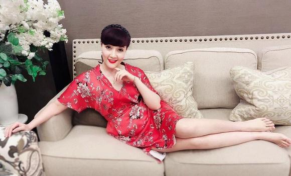 24.Hé lộ không gian sống của nữ danh hài nổi tiếng Vân Dung5