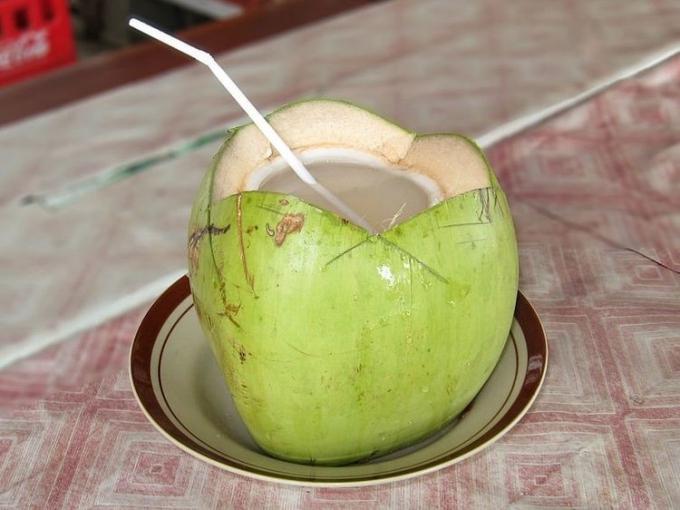 27.Uống nước dừa có tốt như bạn nghĩ