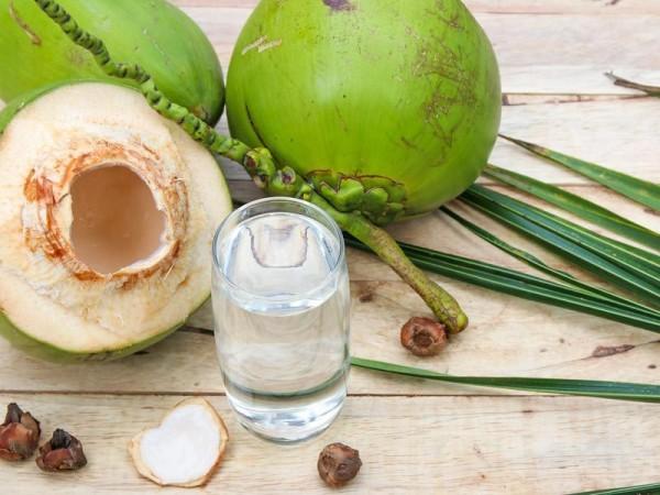 27.Uống nước dừa có tốt như bạn nghĩ2
