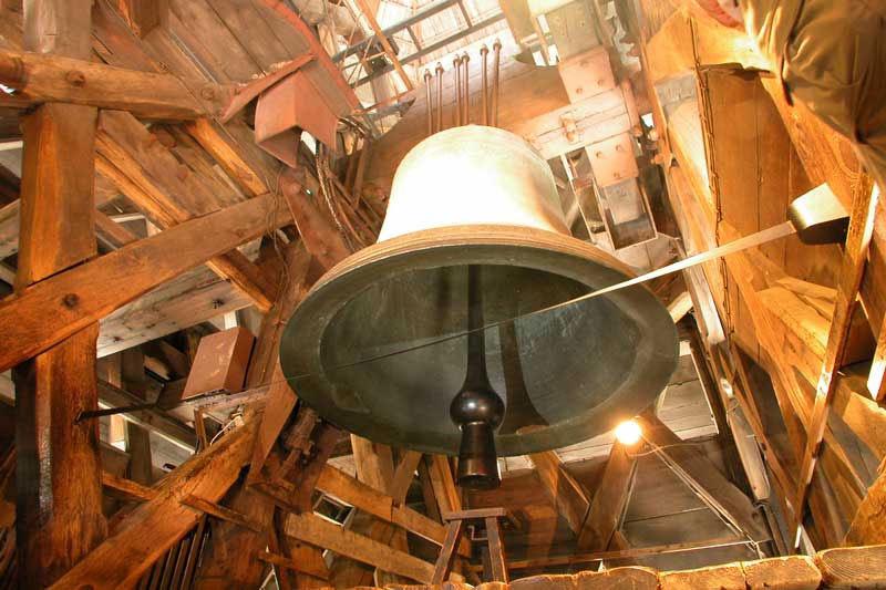 Tháp chuông nổi tiếng của Nhà thờ Đức Bà Paris.