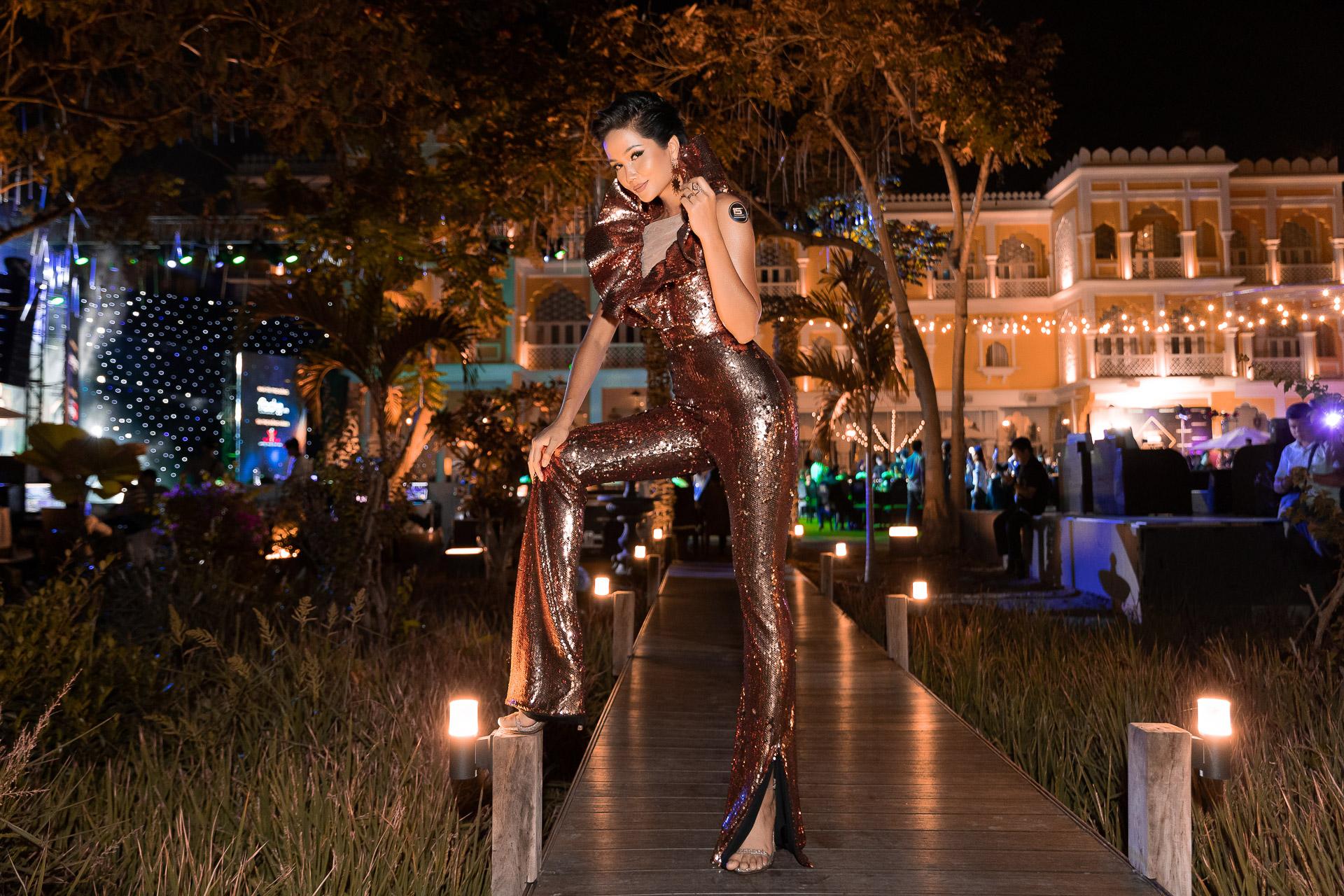 H'Hen Nie_Jumpsuit Miss Universe 2018 (12)
