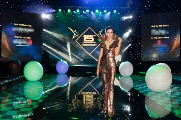 H'Hen Nie_Jumpsuit Miss Universe 2018 (5) (1)