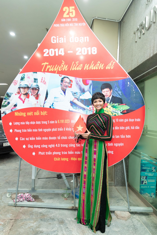 Hoa Hau HHen Nie (1)