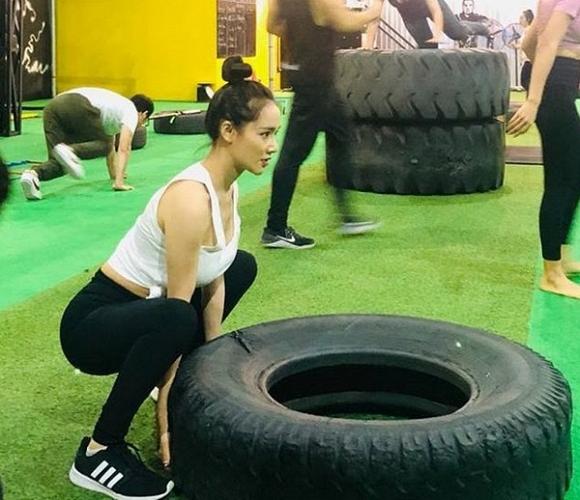 Sau nghi vấn sinh con chưa hết cữ, Nhã Phương bất ngờ đi tập Gym lấy lại vóc dáng2