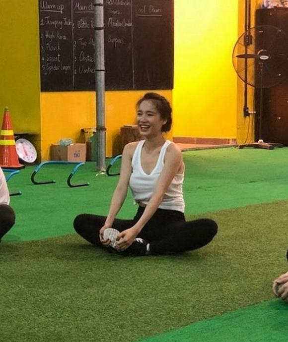 Sau nghi vấn sinh con chưa hết cữ, Nhã Phương bất ngờ đi tập Gym lấy lại vóc dáng3