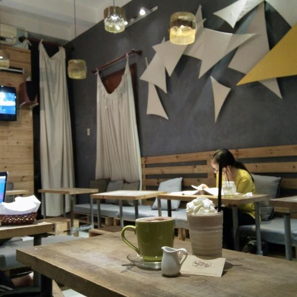 11.List quán café đẹp, ít người biết ở đường Tô Hiến Thành1