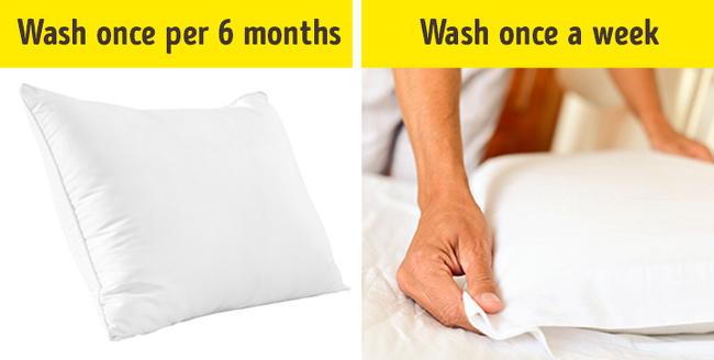 Vệ sinh vỏ gối, ga giường thường xuyên cũng là cách để bạn bảo vệ làn da, hạn chế cho da phải tiếp xúc với các loại bụi bẩn, da chết, mồ hôi... tích tụ trên bề mặt vải.