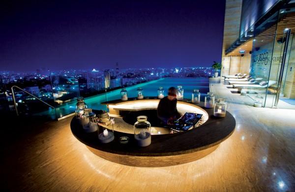 20. Ngắm toàn cảnh Sài Gòn về đêm với 5 quán café sau2