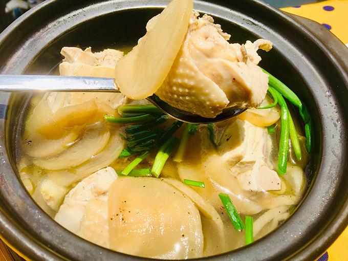 22.Canh gà củ cải muối