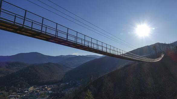 Cây cầu SkyBridge được cho là cầu vượt đi bộ dài nhất nước Mỹ