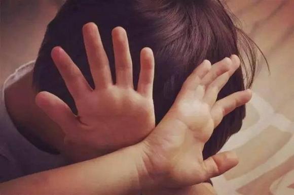 28.Khi con bị bắt nạt, cha mẹ đừng dạy con nói 3 từ này bằng không càng khiến trẻ bị tổn thương nặng nề hơn1