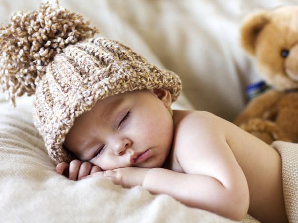 29.Mẹ nên làm gì khi con ngủ hay giật mình