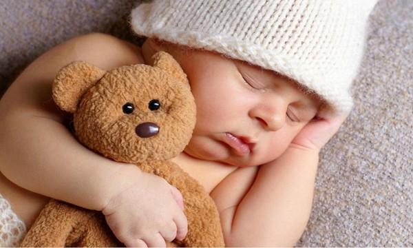 29.Mẹ nên làm gì khi con ngủ hay giật mình2