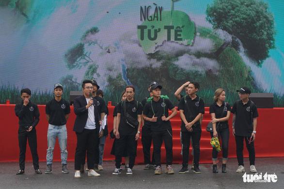 """""""Ngày tử tế"""" - tử tế với môi trường đã truyền đi thông điệp bảo vệ môi trường với những nhân vật truyền cảm hứng, những bạn trẻ được mệnh danh là """"sứ giả của rác"""" - Ảnh: NGUYỄN HIỀN"""