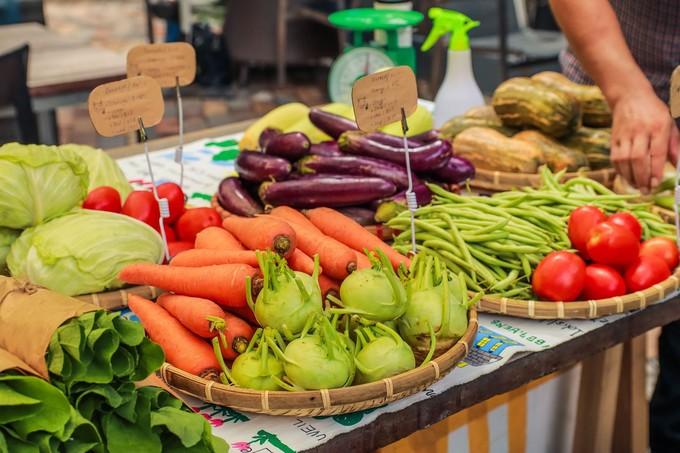 Số lượng rau củ không nhiều, chủ yếu vài loại quen thuộc, giá cả cũng cao hơn so với khi mua ngoài chợ hay trong siêu thị nhưng bù lại chất lượng khá ổn.